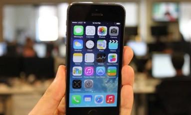 Make a call - wymiksuj się ze spotkania udając, że masz pilny telefon.