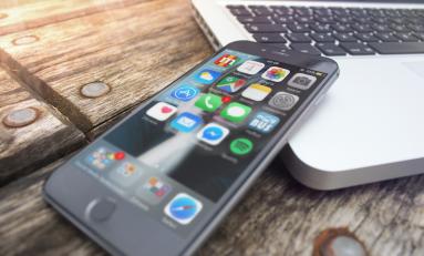 Jak ukryć ikony w iPhone iOS 9?